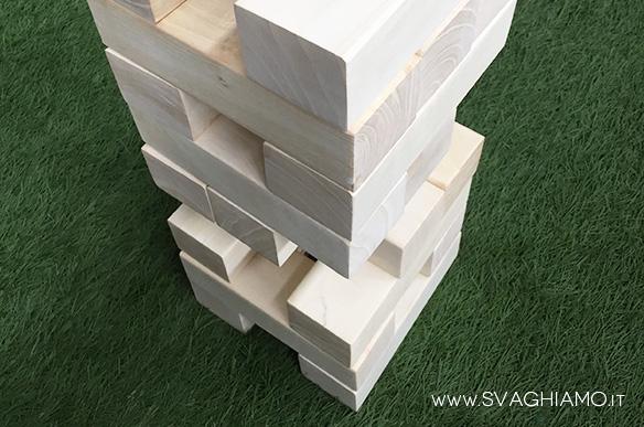 noleggio torre mattoni legno gigante jenga