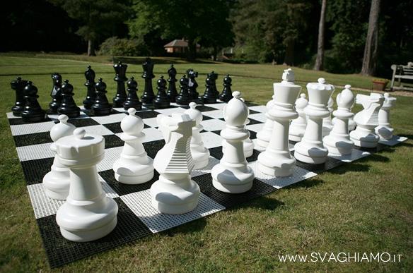 scacchi giganti a noleggio affitto