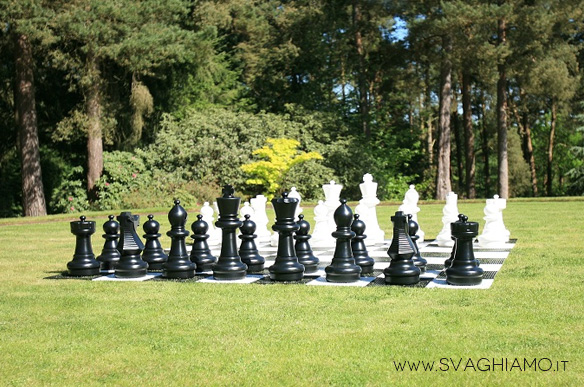 scacchi giganti affitto milano