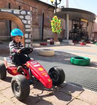 noleggio-go-kart-a-pedali-villa-cortese-svaghiamo