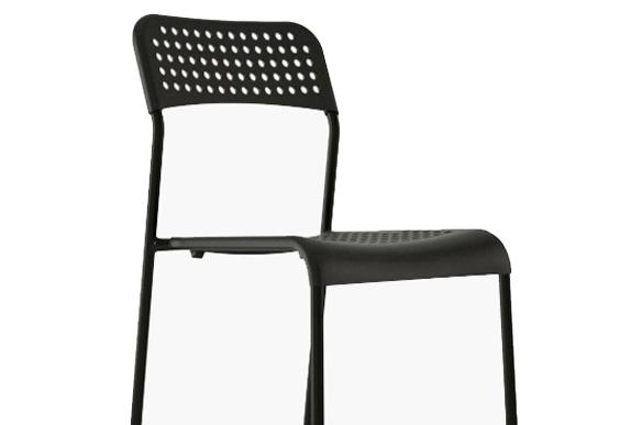 noleggio-sedie-milano-evento-nere-classica