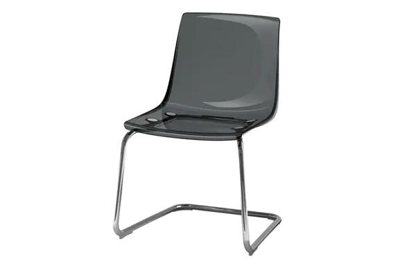 noleggio-sedie-trasparenti-scure